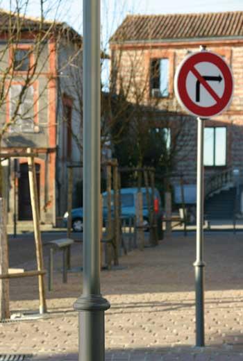Area - Mât signalétique - Agora